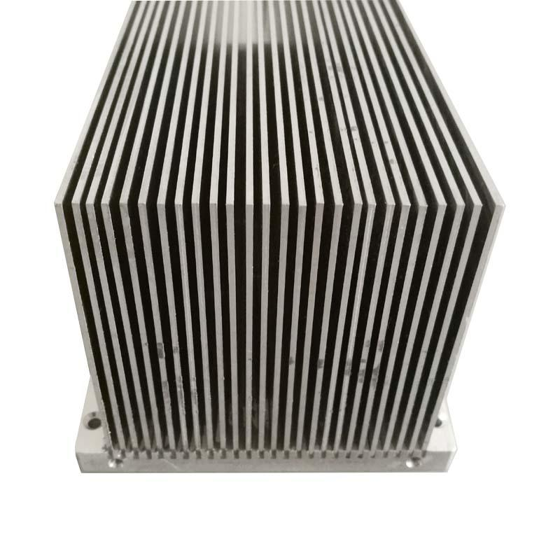 Broadcast heatsink for IGBT