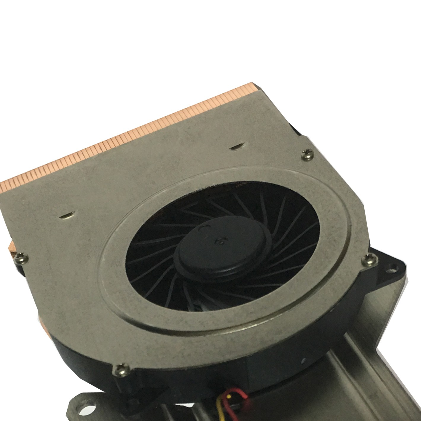 heat sink with heat pipe in laptop